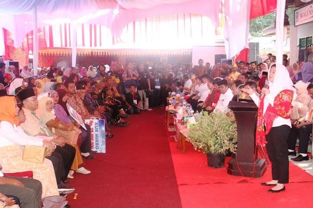 Kunjungan Mentri PMK Puan Maharani ke Padang Pariaman Disambut Antusias Masyarakat