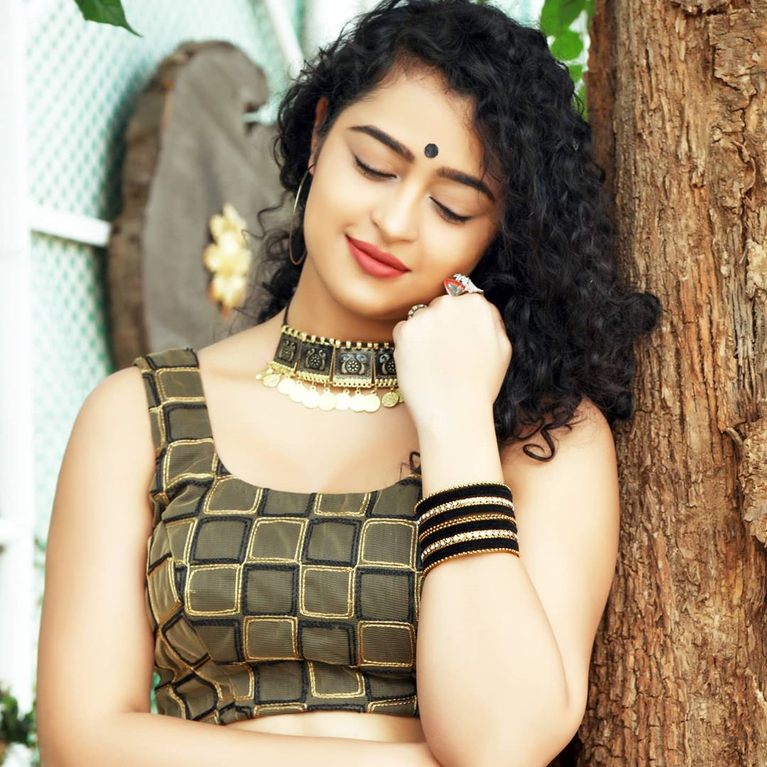 Apsara Rani Hottest Photos