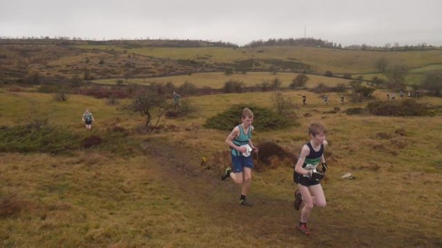 U15 fell runners