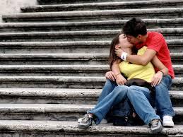 kissing act