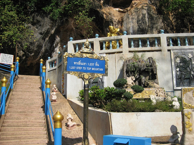 Krabi temppelin portaat
