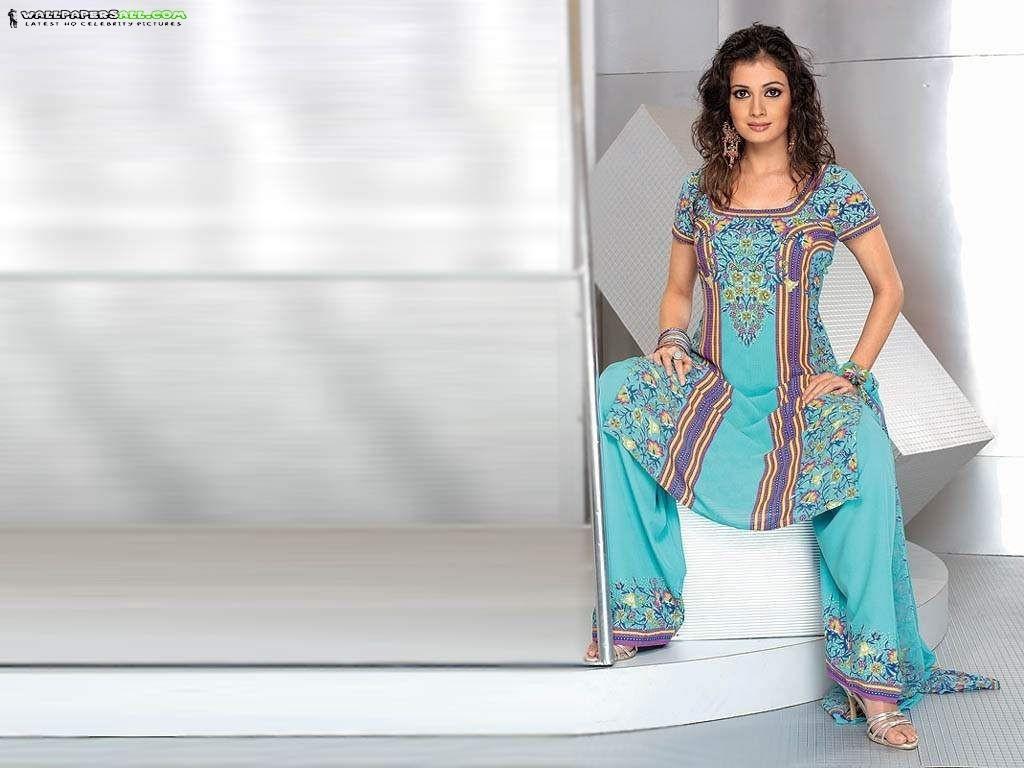 Bollywood Diya Mirza Hot Wallpapers - Enjoy Nudity-9488