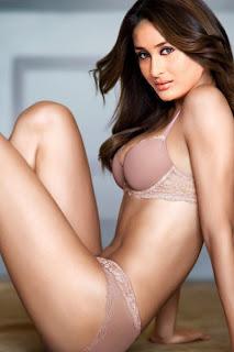 Kareena Kapoor, Foto-foto Hot 10 Artis Bollywood Paling Cantik