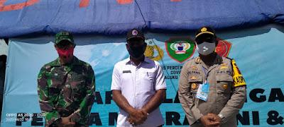 Dandim 1503 Tual Letkol Inf Mario Noya (Kiri) Kepala BPBD Mohtar Ingratubun (Tengah) Kapolres Maluku Tenggara AKBP Alfaris Pattiwael S.Ik (Kanan)