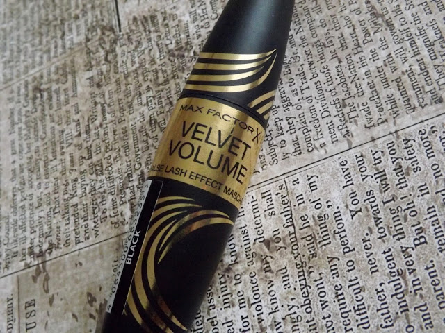 Max Factor - Velvet Volume False Lash Effect Mascara Review