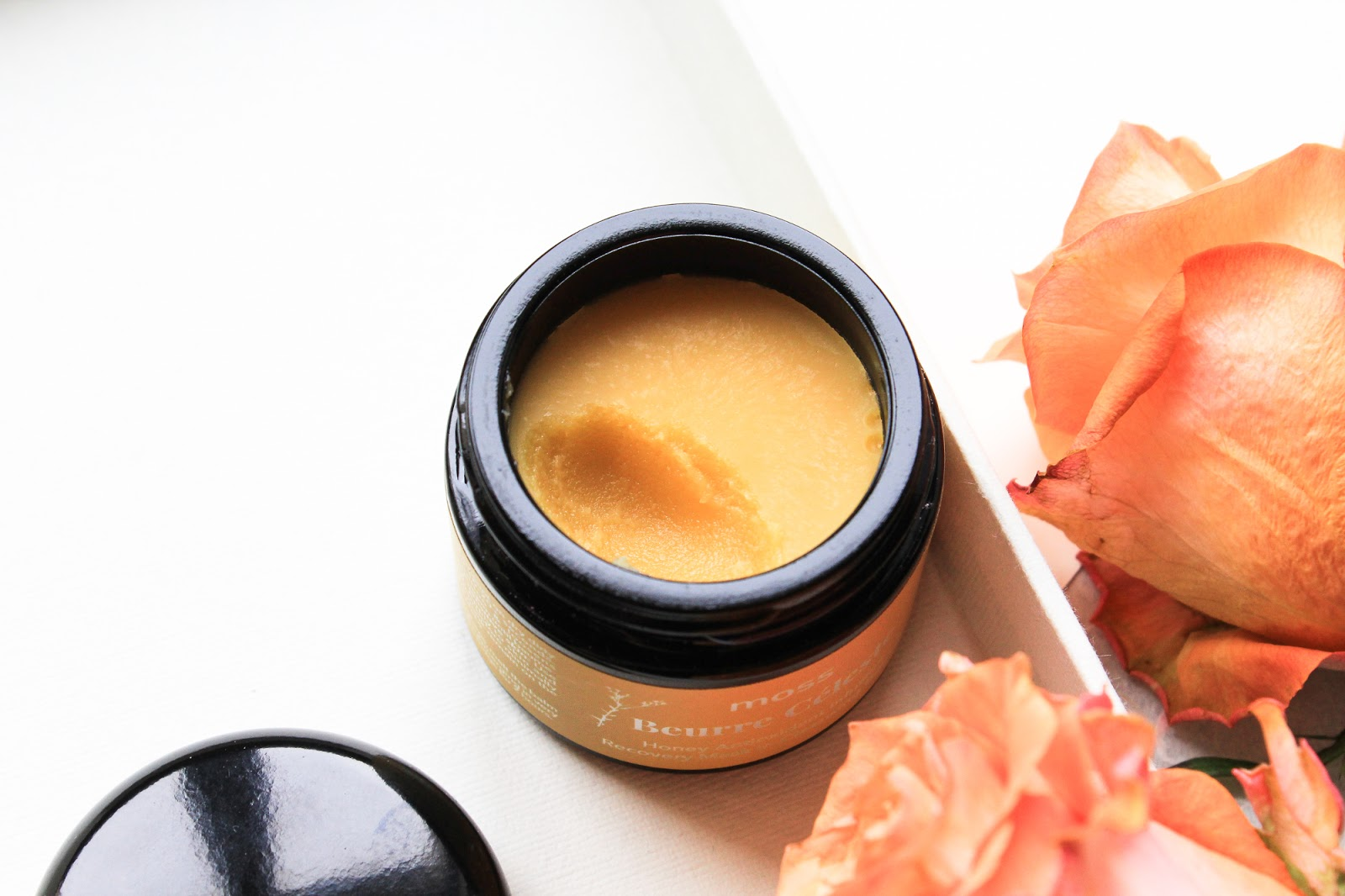 MOSS Beurre Céleste Honey Antioxidant Infusion Recovery Mask in Cleansing Baume. Cleansing Balm. Boxwalla Beauty Box June 2018. Buttery consistency.