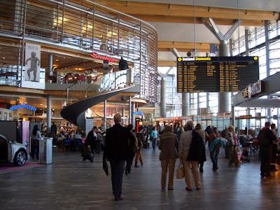 Viajar a Noruega. Cómo llegar: ¿avión, tren, bus o barco?