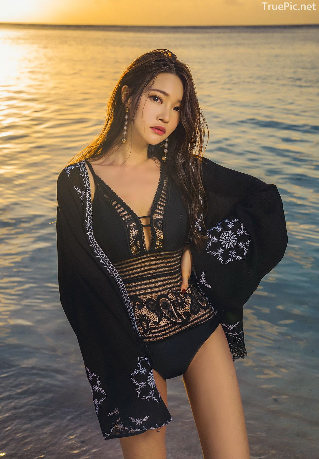 Park Jeong Yoon - Can't Help Falling - Korean swimsuit and model - Picture 10