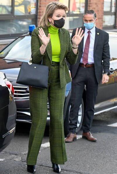 Queen Mathilde wore a green checked blazer and trousers from Natan