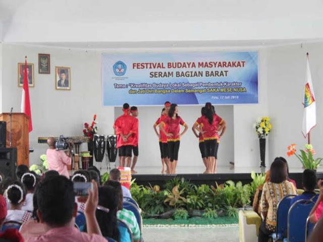 Balai Pelestarian Nilai Budaya Provinsi (BPNB) Gelar Pagelaran Budaya Seram Bagian Barat