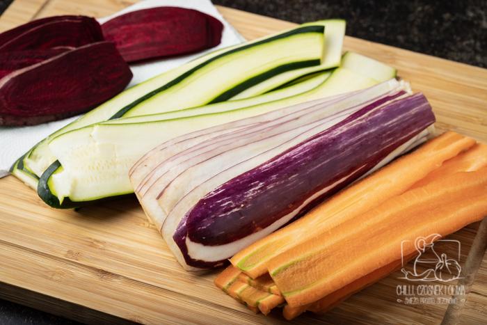 Tęczowa tarta warzywna (przepis krok po kroku)