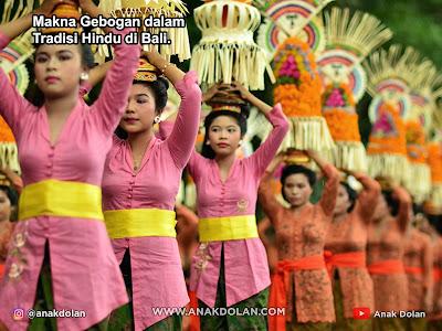 Makna Gebogan dalam Tradisi Hindu di Bali.