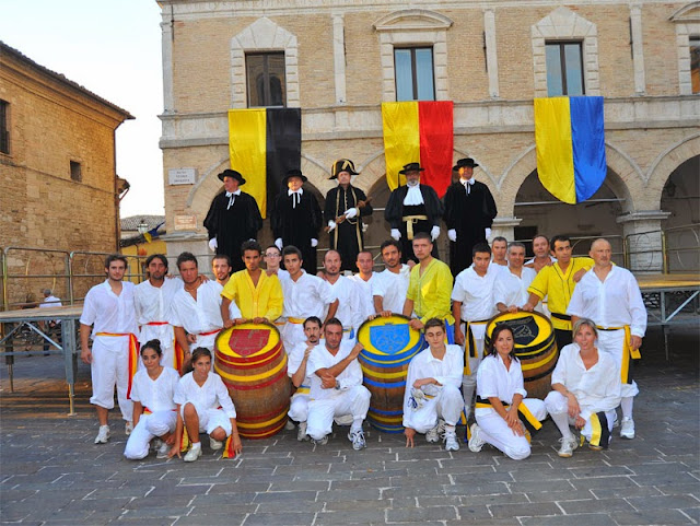 palio-castrum-cingoli-corsa-botti-terzieri