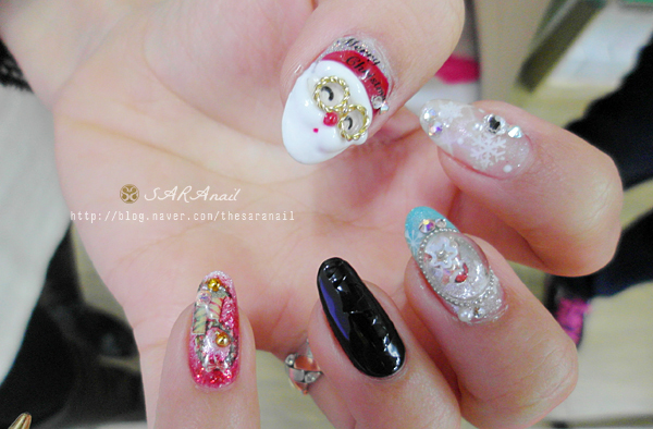 Christmas 3d Nail Art: Drawing Of From Frozen Kristoff And Sven