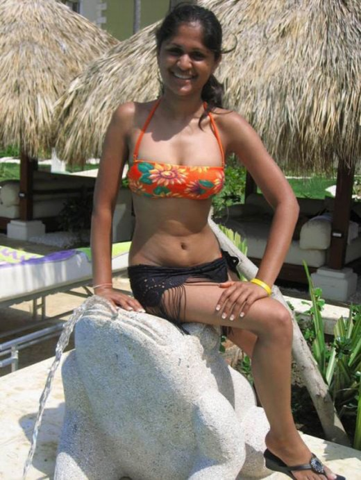 Indian young sizzling desi aunty in two piece bikini