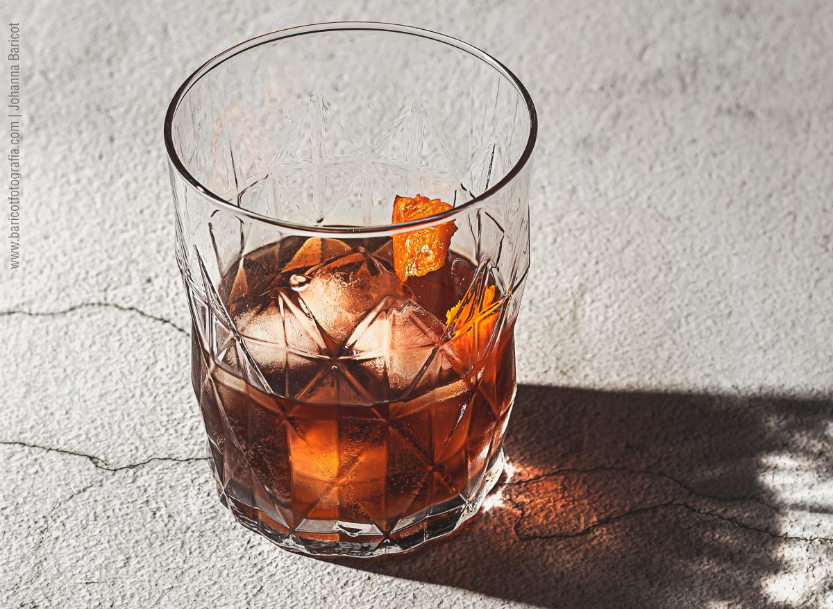 fotografo-profesional-de-alimentos-en-ourense-fotografia-food-styling-galicia-españa-bebida-licor-naranja