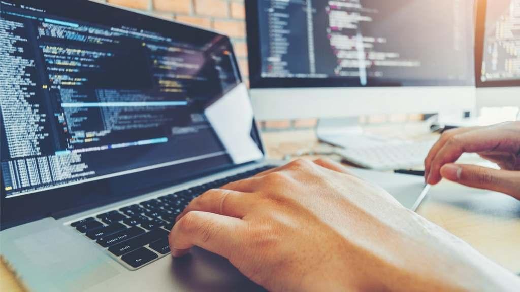 O ramo de serviços em Tecnologia da Informação (TI) registrou crescimento de 95% no número de postos de trabalho em um período de 12 anos