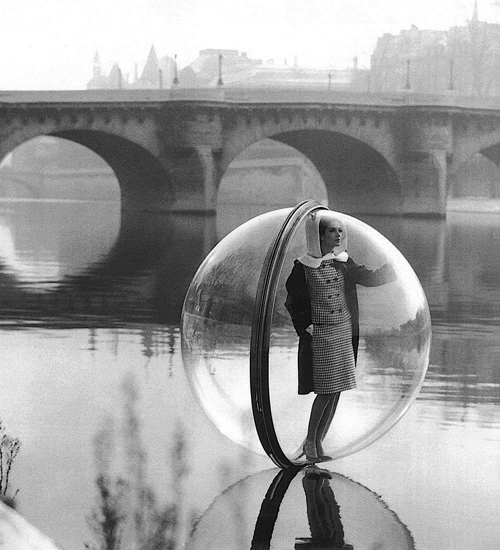 a 1960s Melvin Sokolosky fashion photograph
