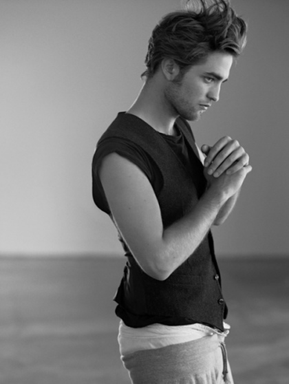 Robert Pattinson Saggy Pants