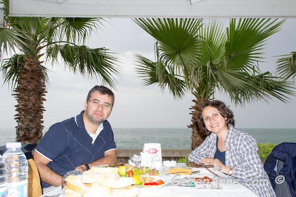 Akçaabat sahilde balık ve Akçaabat köftesi keyfi, Cemil Usta Trabzon