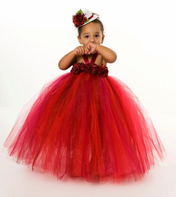 foto bayi lucu pakai kostum tutu dress merah