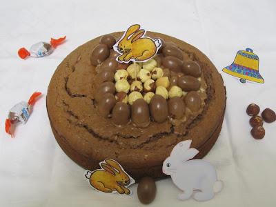 Gâteau aux Kinder Schoko-Bons, décoration de Pâques