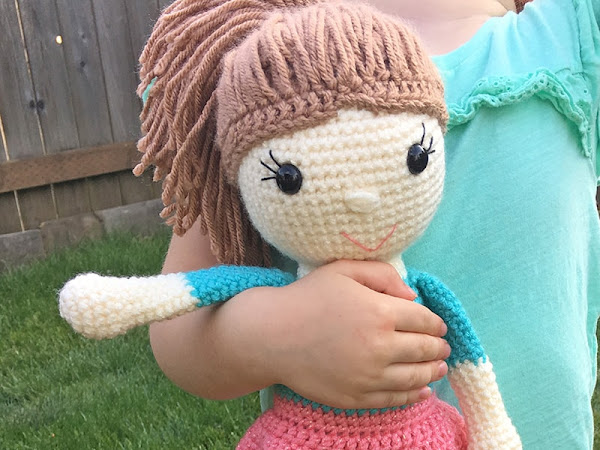 Amy the Amigurumi Doll - A Free Crochet Pattern