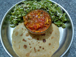 Wheat dosa, Snake gourd poriyal, Tomato curry