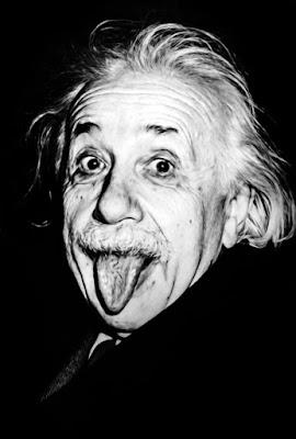 अल्बर्ट आइंस्टीन के प्रेरणादायक और मन को लुभाने वाले विचार (Some inspiring and mind-blowing thoughts from Albert Einstein)