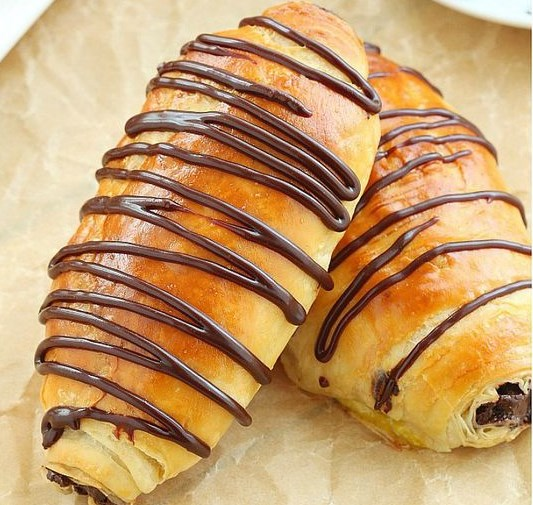 PAIN AU CHOCOLAT (CHOCOLATE CROISSANTS) MADE FROM SCRATCH #Dessert #PartyRecipe