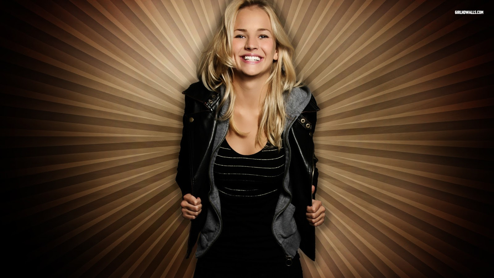 Britt Robertson HD Images and Wallpapers - Hollywood Actress