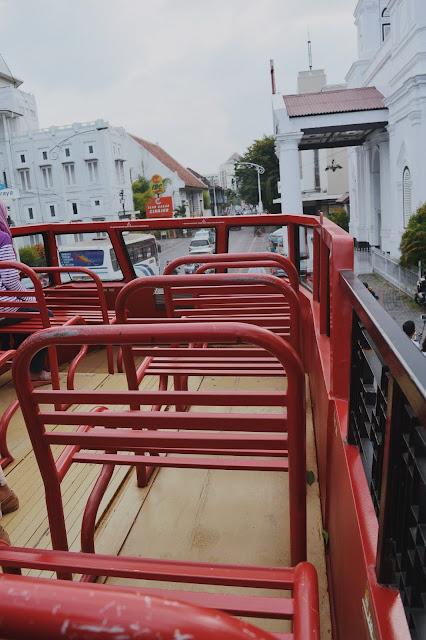 Bus Wisata Kota Lama Semarang