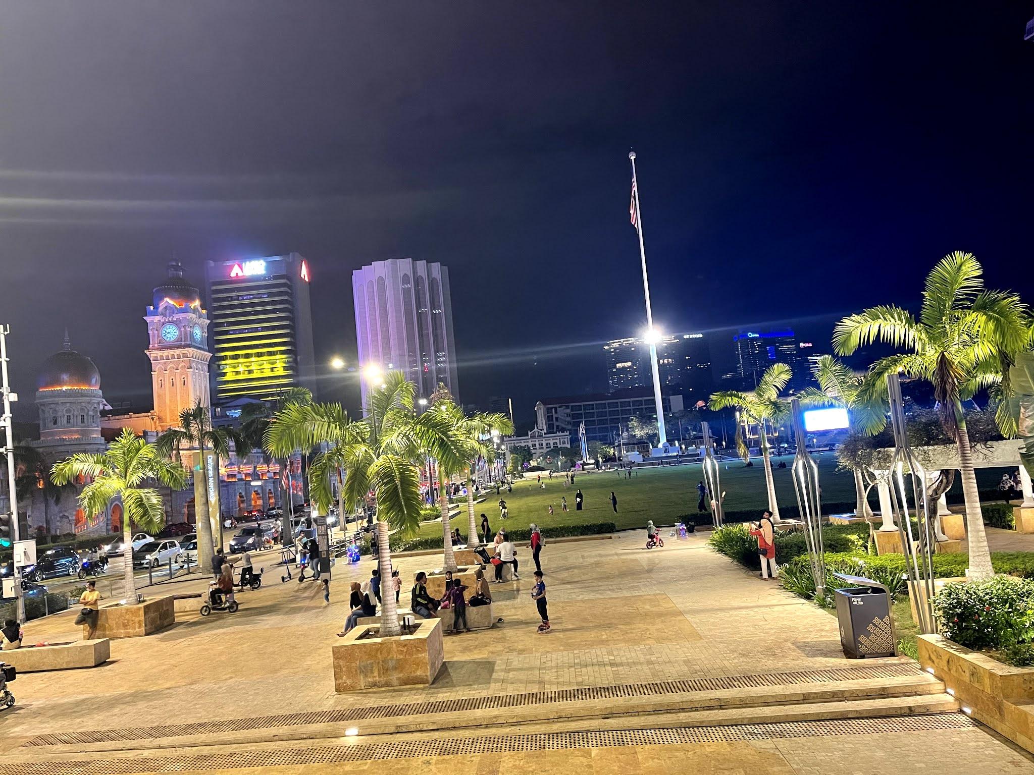 KL HOP ON HOP OFF BAWA KL CITY OF LIGHTS NIKMATI MALAM DI KUALA LUMPUR