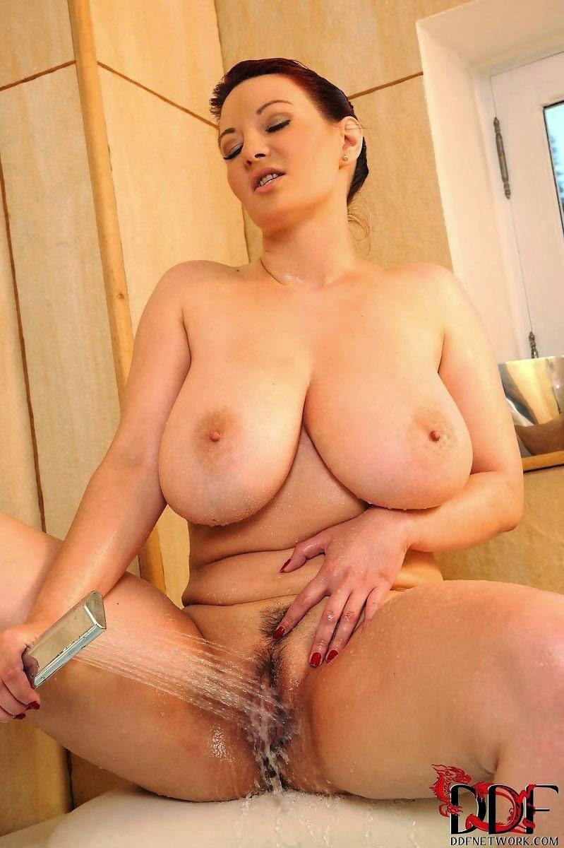 Vanessa bryant boobs