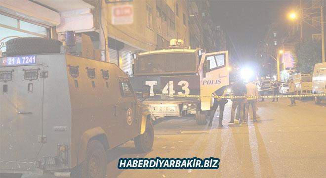 Diyarbakır Emek Caddesi'nde TOMA'ya bombalı saldırı