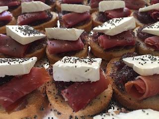 Crostinis - Cóctel a domicilio - Marie Gourmet