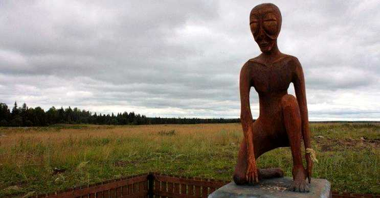 Uzaylı alyosha anıtı, 1983 yılında Rusya'nın Molebka bölgesinde inşa edilmiştir.