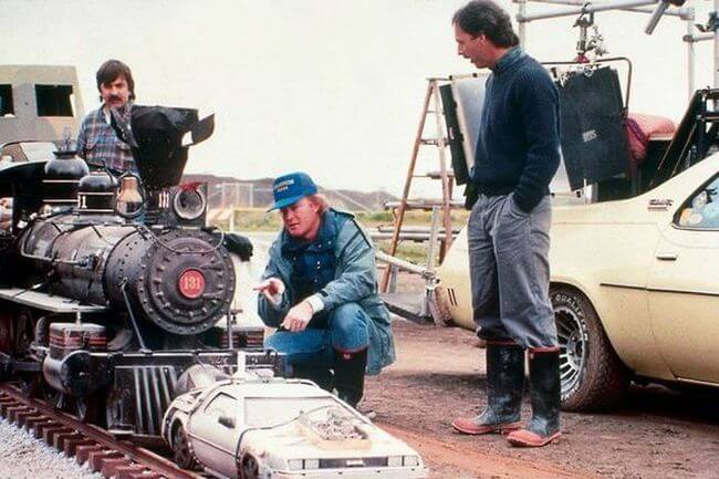 60 Iconic Behind-The-Scenes Pictures Of Actors That Underline The Difference Between Movies And Reality - Back to the Future