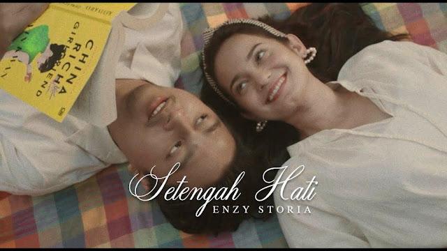 Download Lagu Enzy Storia Setengah Hati Mp3