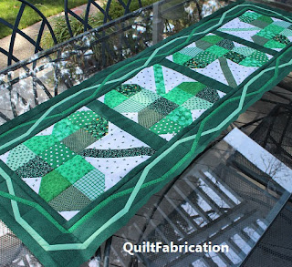 Irish-Chain-Table-Runner-Border-Quilt-Pattern-ST PATRICKS DAY-TABLE DECORATION