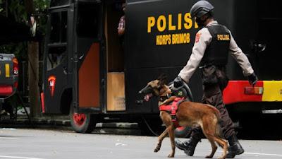 setelah pemboman di Makassar 3169 Teroris tewas oleh jaringan pasangan bomber Makassar, menyerang polisi