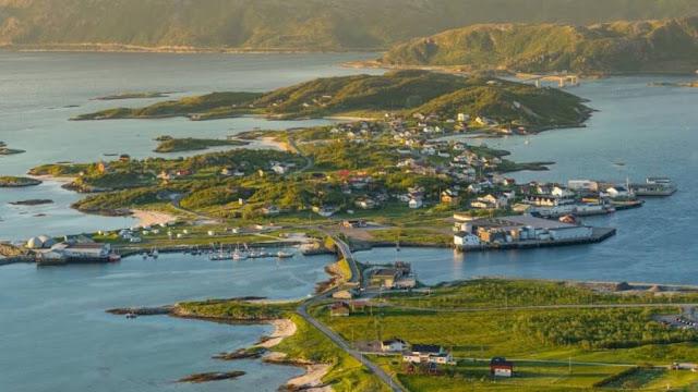 Этот маленький норвежский остров, где солнце не заходит 69 дней, хочет отменить время