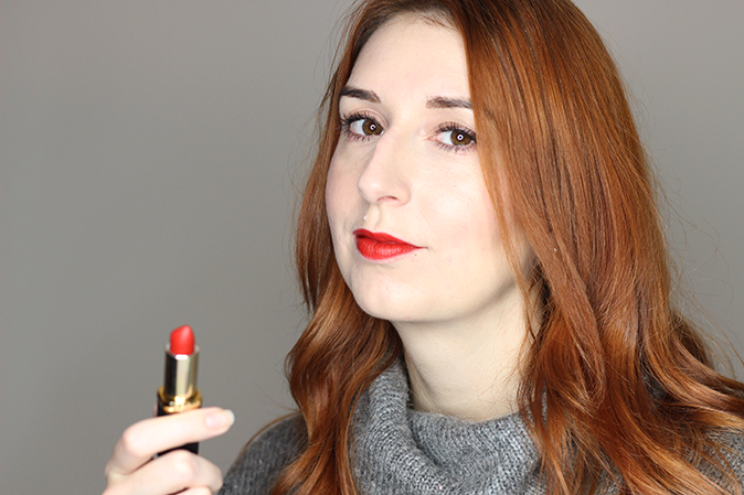 A photo of L'Oreal Color Riche Pure Reds Eva's Red Lipstick