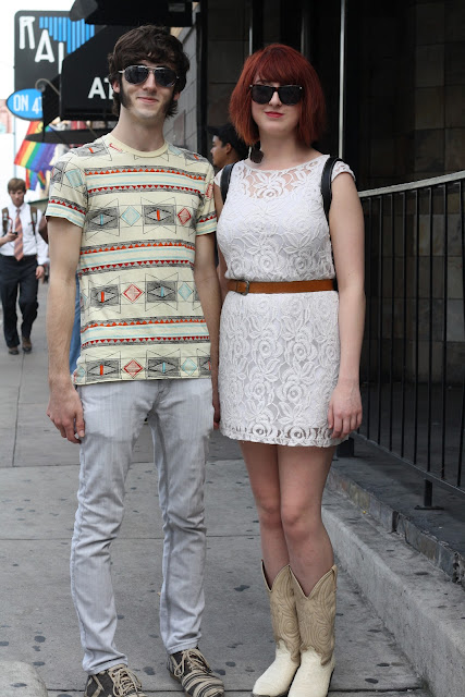 couple in the street at sxsw