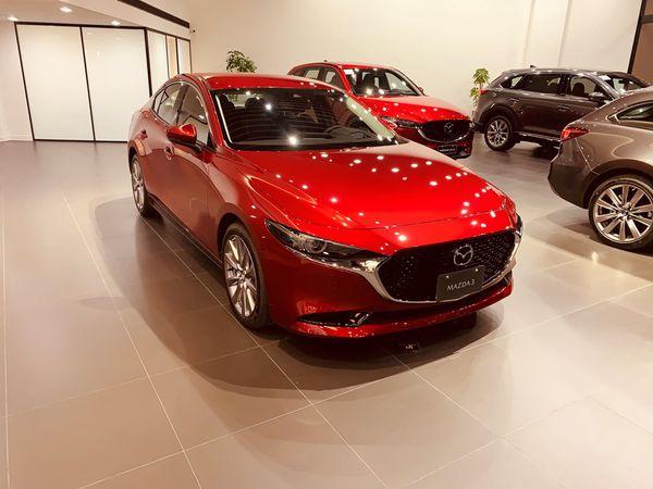 四代Mazda3四門BOSE旗艦款-魂動紅