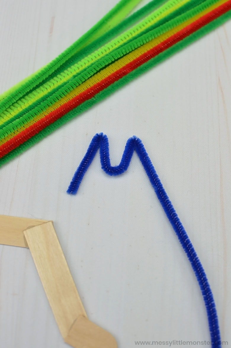 pipe cleaner caterpillar craft
