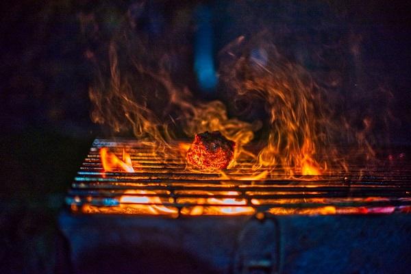 best natural gas grills under 1000