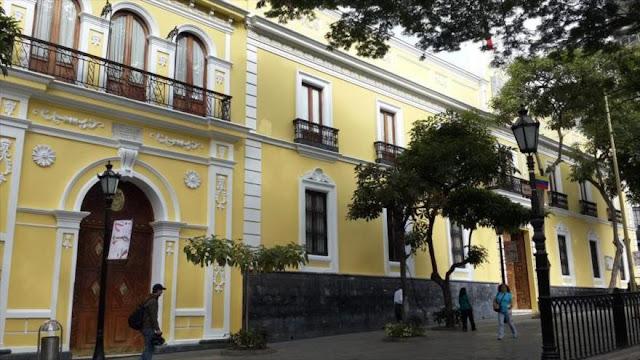 """Venezuela acusa a EEUU de buscar erigirse en """"gendarme mundial"""""""