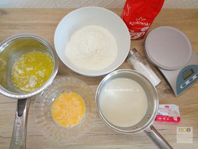 składniki na bułeczki cynamonowe
