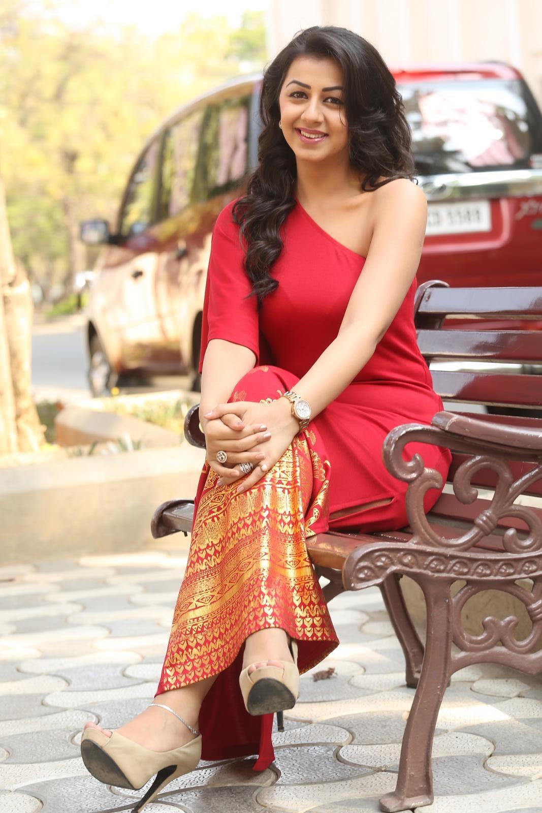 hq pics n galleries actress nikki galarani new
